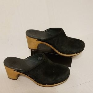 Ugg Abbie clogs women's shoes size 7